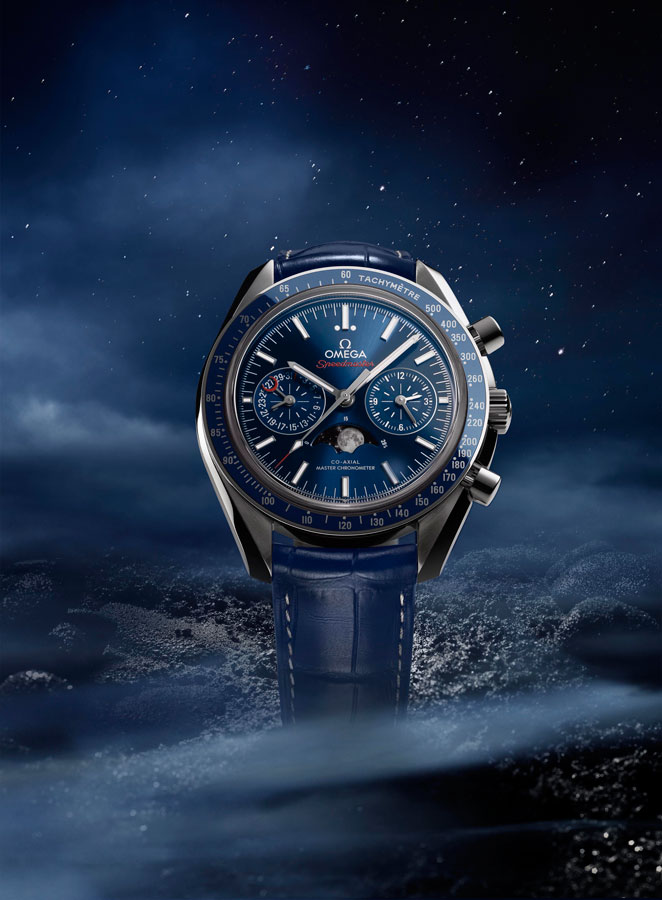 speedmaster-moonphase_304-33-44-52-03-001_with-background_1